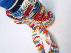 Check out this item in my Etsy shop https://www.etsy.com/listing/156749577/crochet-water-bottle-holder-and-water