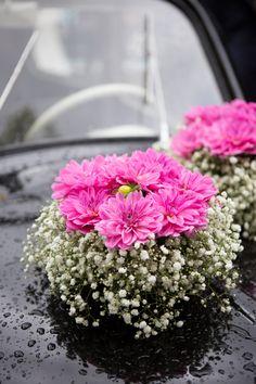 mariage, wedding, wedding car, flowers, voiture mariés, fleurs, photographe annelise photo