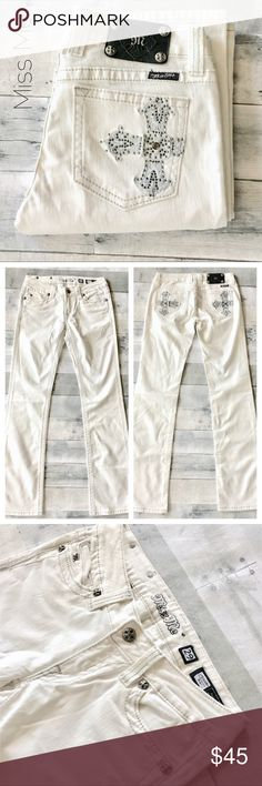"""Rare-Oyster white boot cuts w/ cross 29 X 34 1/2 Amazing summer Miss Me Bootcuts. Just a few of these #JP5006bcw were made. Color is Oyster. Gray top stitch, jet, chrome small rhinestones and silver thread on crosses.  8"""" rise;  34 1/2"""" inseam. Miss Me Jeans Boot Cut"""