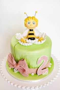 Maya the bee cake - Cake by Alina Vaganova - CakesDecor