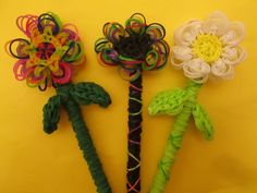 Rainbow Loom Flower Pencil Topper, Hugger and Grip tutorial by Lovely Lovebird Designs.