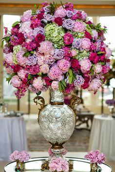12 Stunning Wedding Centerpieces - 29th Edition | bellethemagazine.com