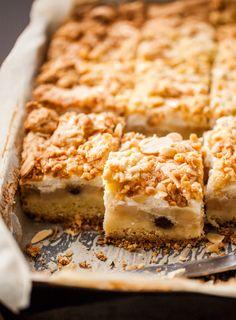 buttery streusel apple pie