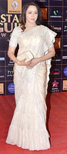 Hema Malini South Indian Silk Saree, Indian Sarees, Bollywood Fashion, Bollywood Style, Hema Malini, Sari Dress, Indian Party, Saree Styles, Beautiful Saree