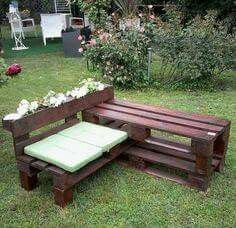 New wooden pallet furniture outdoor crafts ideas Backyard Pallet Furniture, Pallet Garden Benches, Pallet Garden Furniture, Bench Furniture, Furniture Ideas, Pallet Chairs, Furniture Design, Outdoor Furniture, Diy Pallet Projects