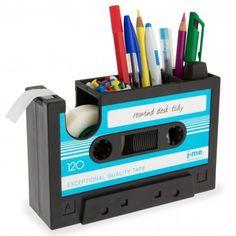 Schreibtischhelfer im Retro Kassetten-Design