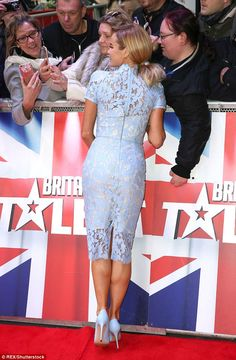 Amanda Holden shows off her curves in pretty blue lace dress Britain's Got Talent, British Celebrities, Amanda Holden, Tv Presenters, Blonde Beauty, Sexy Heels, Blue Lace, Lace Dress, How To Look Better