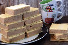 Wafle z mlekiem w proszku – Smaki na talerzu Cheddar Cheese, Cornbread, Caramel, Food And Drink, Cooking Recipes, Chocolate, Ethnic Recipes, Cakes, Cheddar