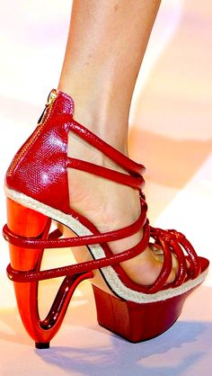 ok, if I could walk in these, would I?   Christian Siriano