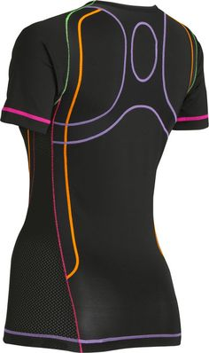 Ventilator Performance Tops feature the CW-X Support Web for the upper back to improve posture, balance and arm motion. The Support Web uses technology to create an exoskeletal support system. It specifically targets the trapezius muscles and scapular bones of the upper back for improved posture and more controlled movements in the arms and shoulders.
