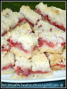 Recipes of a Cheapskate: Strawberry Crumb Bars