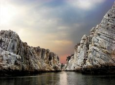 Bhedaghat-Marble-Rocks--excitingindia
