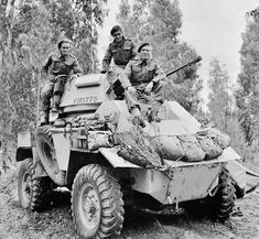 A Humber Mk II armoured car and crew of 'B' Squadron, Hussars – the first vehicle to enter Tripoli, photographed on 2 February Army Vehicles, Armored Vehicles, Armored Car, Military Photos, Military History, Ww2 History, Afrika Corps, Armoured Personnel Carrier, Tank Armor