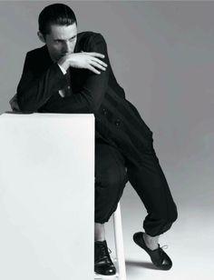 Matthew Goode by Johan Sandberg - Untitled 19 - L'Officiel Hommes S/S 2013