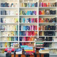 Rainbow Bookshelves Are the Easiest Way to Beautify Your Library