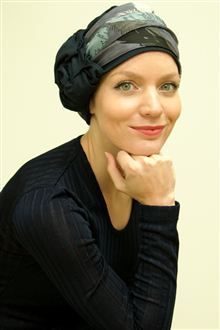 Geri is a stylish womens hair loss turban which gives you two looks in one.