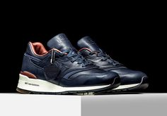 If you want the ultimate in retro running sneaker luxury, then look no further. New Balance pairs up with the world-renowned Horween tannery once again to offer up the highest quality sneaker imaginable, with the 997 featuring a construction in … Continue reading →