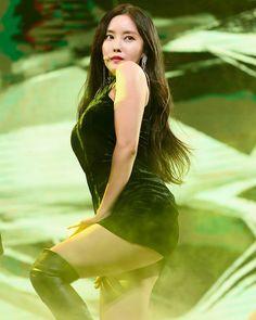"229 Likes, 1 Comments - @yolanda31938 on Instagram: ""171108 #T_ARA Kpop-Vietnam Friendship Concert . #티아라 #지연 #은정 #소연 #보람 #큐리 #효민 #ParkJiyeon…"""