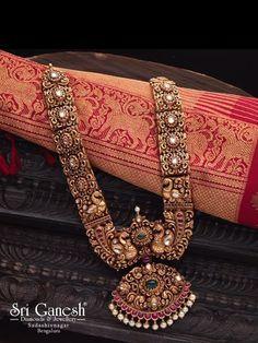 Jewelry Organizer Glass and Jewelry Vintage Diy. Teen Jewelry, India Jewelry, Temple Jewellery, Fashion Jewelry, Gold Jewelry, Dainty Jewelry, Jewelry Bracelets, Sapphire Jewelry, Tiffany Jewelry