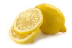 DIY Skin Brightening & Exfoliating Yogurt Lemon Facial