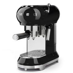 ECF01BLUK: Espresso coffee machine Smeg designed in Italy, has functional characteristics of quality with a design that combines style and high technology. See it at www.smeguk.com