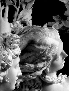 Apolo and Daphne (1622-25) by Gianlorenzo Bernini