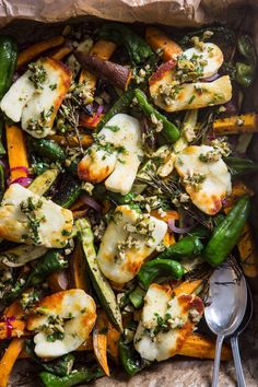 Lemon & Herb Halloumi Tray Bake. The healthy throw-it-together vegetarian dinner recipe.