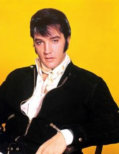 "The photo ""Elvis Presley"" has been viewed times. Beautiful Voice, Most Beautiful Man, Country Boys, Country Music, Family Photo Album, Elvis Presley Photos, Priscilla Presley, Hot Hunks, Animal Quotes"