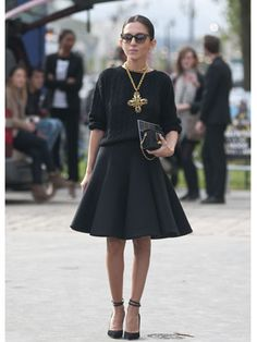 ★how2wear a statement pendant★ with all black #marieclaire  // @dressmeSue pins real outfits