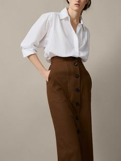 Women's skirts for Spring/Summer 2019 at Massimo Dutti. Find elegant snakeskin, striped or checked skirts in brown, beige or pink. Casual Work Outfits, Classic Outfits, Chic Outfits, Pretty Outfits, Fashion Outfits, Long Black Pencil Skirt, T Dress, Spring Skirts, Moda Casual