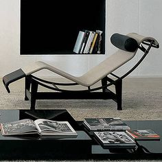 LC4 Chaise Lounge House Furniture Design, Cool Furniture, Modern Furniture, Home Interior, Interior And Exterior, Interior Decorating, Interior Design, Multifunctional Furniture, Le Corbusier