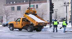 Salt truck Milwaukee - Chevrolet Silverado - Wikipedia