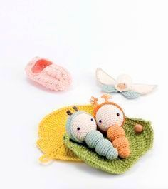 Crochet Amigurumi Ideas Create stories for imaginative play with the creatures in Lalylala's Beetles, Bugs and Butterflies. These amigurumi projects are fun to make and fun to play with. Crochet Fairy, Crochet Bee, Crochet Butterfly, Cute Crochet, Crochet For Kids, Crochet Dolls, Octopus Crochet Pattern, Crochet Patterns, Tsumtsum