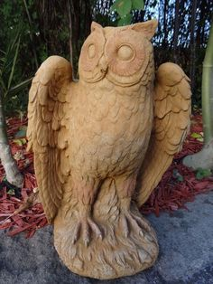1 Fine Golden English Stone Bird Owl Garden Balcony Porch Statue Ornament
