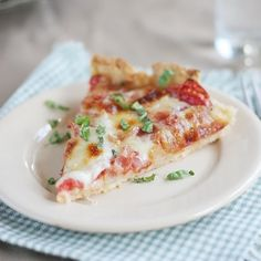 Have fresh tomatoes laying around?  This Tomato Tart is the perfect way to use them up!
