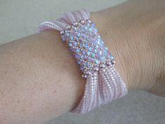 Tutoriel Bracelet perlé modèle perle Instructions par poetryinbeads                                                                                                                                                                                 Plus