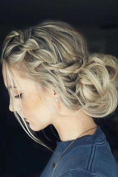 wedding hairstyles easy hairstyles hairstyles for school hairstyles diy hairstyles for round faces p Grad Hairstyles, Semi Formal Hairstyles, Dance Hairstyles, Wedding Hairstyles, Hairstyles For Picture Day, Easy Hairstyles For Prom, Natural Hairstyles, Cute Hairstyles For School, Amazing Hairstyles