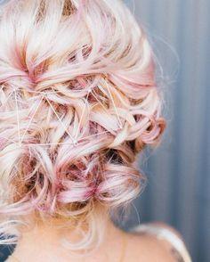 Top 20 Bridal Headpieces of 2016 — the bohemian wedding - Trend Hair Makeup Ideas 2019 Boho Wedding Hair, Headpiece Wedding, Bridal Headpieces, Wedding Dress, Bride Hairstyles, Cool Hairstyles, Hair Flow, Wedding Hair Inspiration, Pink Hair