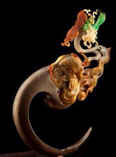 Jade encapsulates all Confucian virtues, such as modesty, wisdom, compassion.