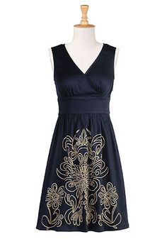 Love the pattern on this navy dress, and love even more that you can customize it!