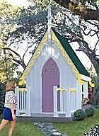 Ah! E se falando em madeira...: Casinha de criança estilo americano gotico projeto no blog