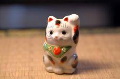 Japan lucky cat  九谷焼  招き猫