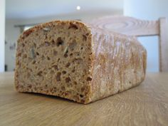 Da minstemann skulle introduseres for brød, leste jeg flere steder at surdeigsbrød er mildere for... Sourdough Recipes, Baking, Blogging, Bakken, Backen, Postres, Pastries, Roast