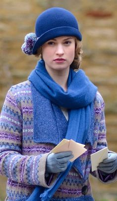 downton abbey seaon 4 - Knit Sweater, Knit Cloche hat, scarf, gloves