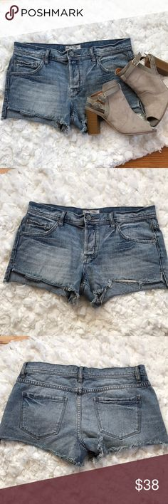 Free People Cut Off Shorts Free People cut off jean shorts. Hidden button fly. Previously worn but in great condition! Free People Shorts Jean Shorts