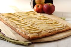 Blogger Gerry Speirs turns apple pie flavors into a tasty dessert pizza.
