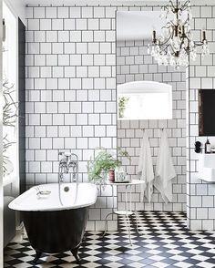 Buenos días! Hoy en el blog, una casa preciosa con toques vintage + 16 fichajes DECO para conseguir un resultado parecido. Si el baño es así... Imaginad el resto! ---> www.macarenagea.com