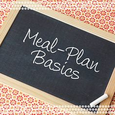 "Basics of a Diabetes Meal Plan    By Rachel Martin  One of the biggest concerns for people newly diagnosed with diabetes is, ""What can I eat?"" Here you'll find the answer to that question and more, with simple tips and advice to eat healthfully with diabetes and form a meal plan that will work for you."
