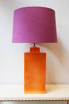 Lámpara de Mesa Color Naranja Rectangular Cerámica | Rectangular Pottery Table Lamp Orange Color. Detana, Madrid.