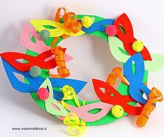 La ghirlanda di Carnevale Arts And Crafts, Paper Crafts, Diy Crafts, Clown Crafts, Mardi Gras Party, School Projects, Classroom Decor, Art For Kids, Decoupage